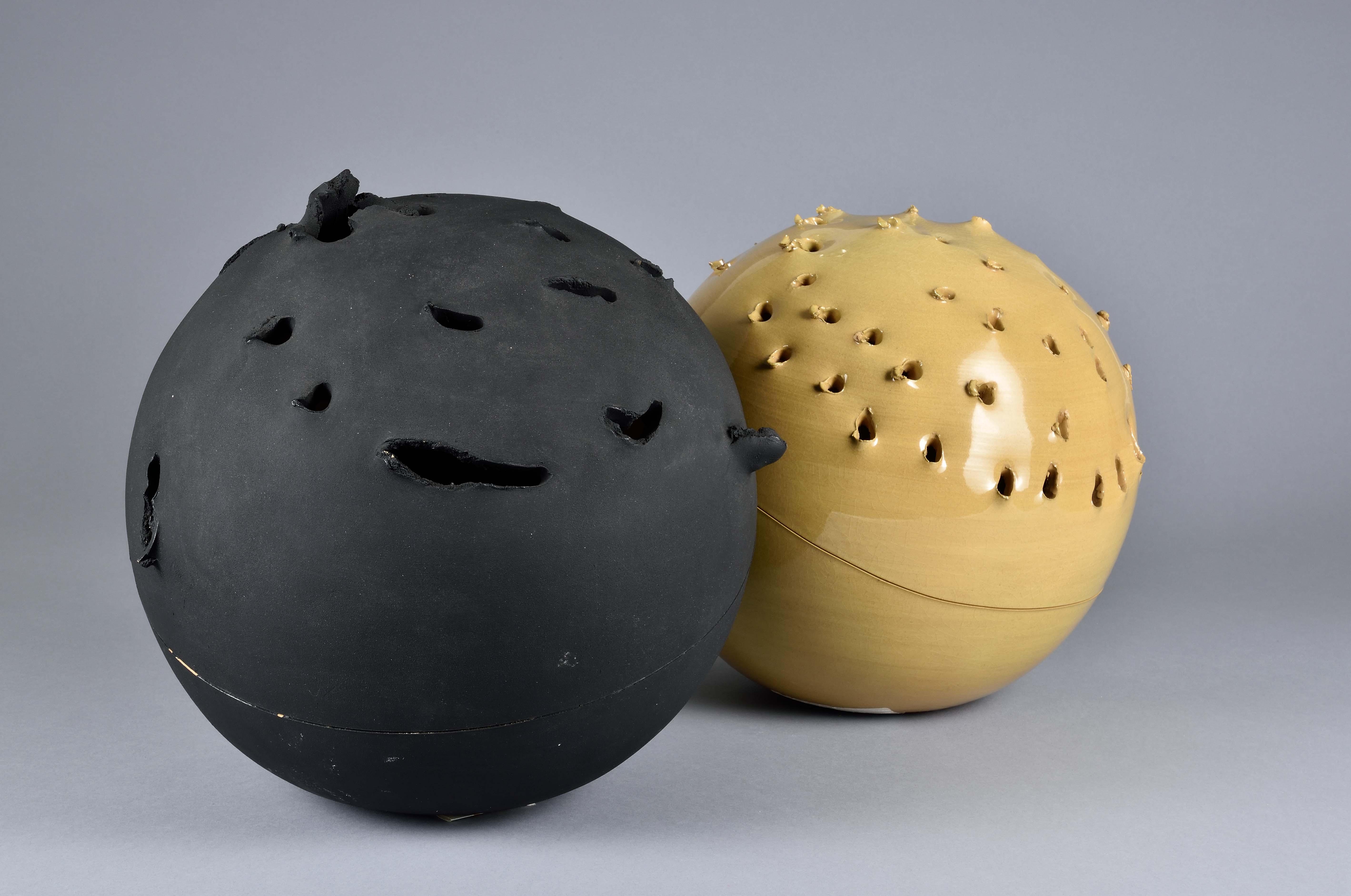Spheres   Lucio Fontana   1957   Museo Internazionale delle Ceramiche Faenza (MIC)   © VG Bild-Kunst, Bonn 2019